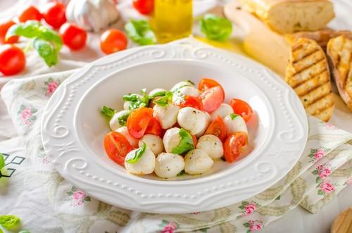 Przystawka Pomidorowo-Serowa